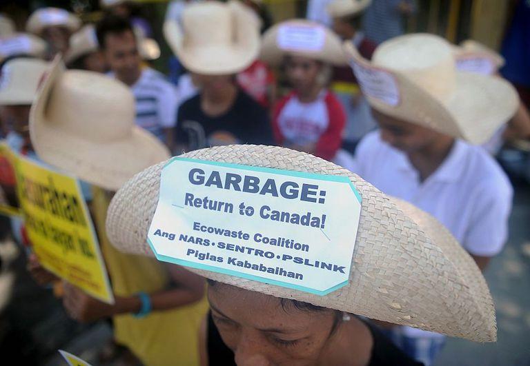Canadá acuerda llevarse su basura de Filipinas