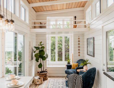tiny house hawaii Taylor and Michaella McClendon interior