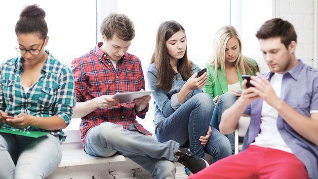 Los estudiantes obtienen mejores calificaciones cuando los teléfonos están prohibidos