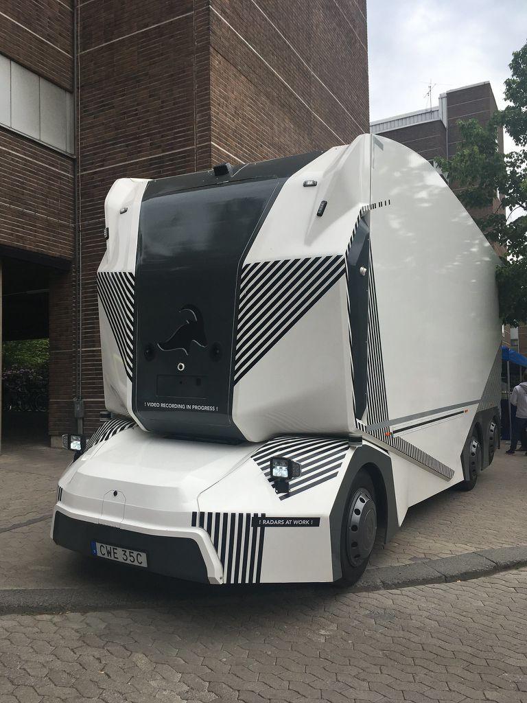 Einride soluciona el problema de emisiones de camiones con T-Pods autónomos