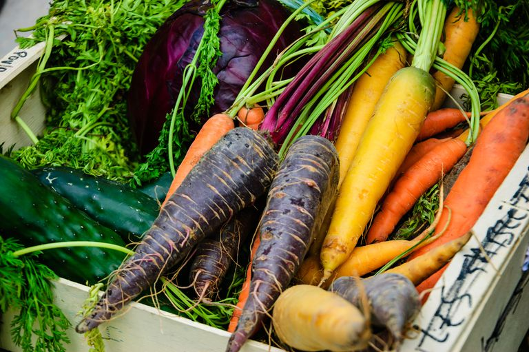 purple-yellow-orange-carrots