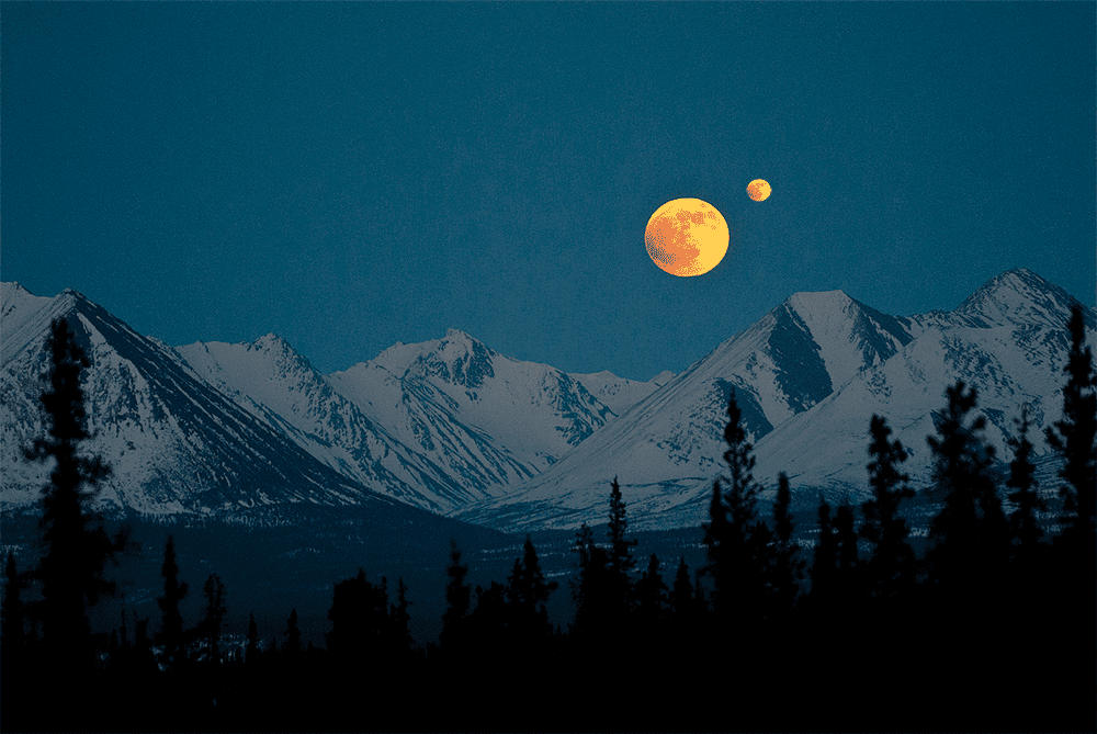 A moonmoon orbiting our own Moon during moonrise. Researchers say that even if such a thing were possible, it's not a celestial relationship that would likely last very long.