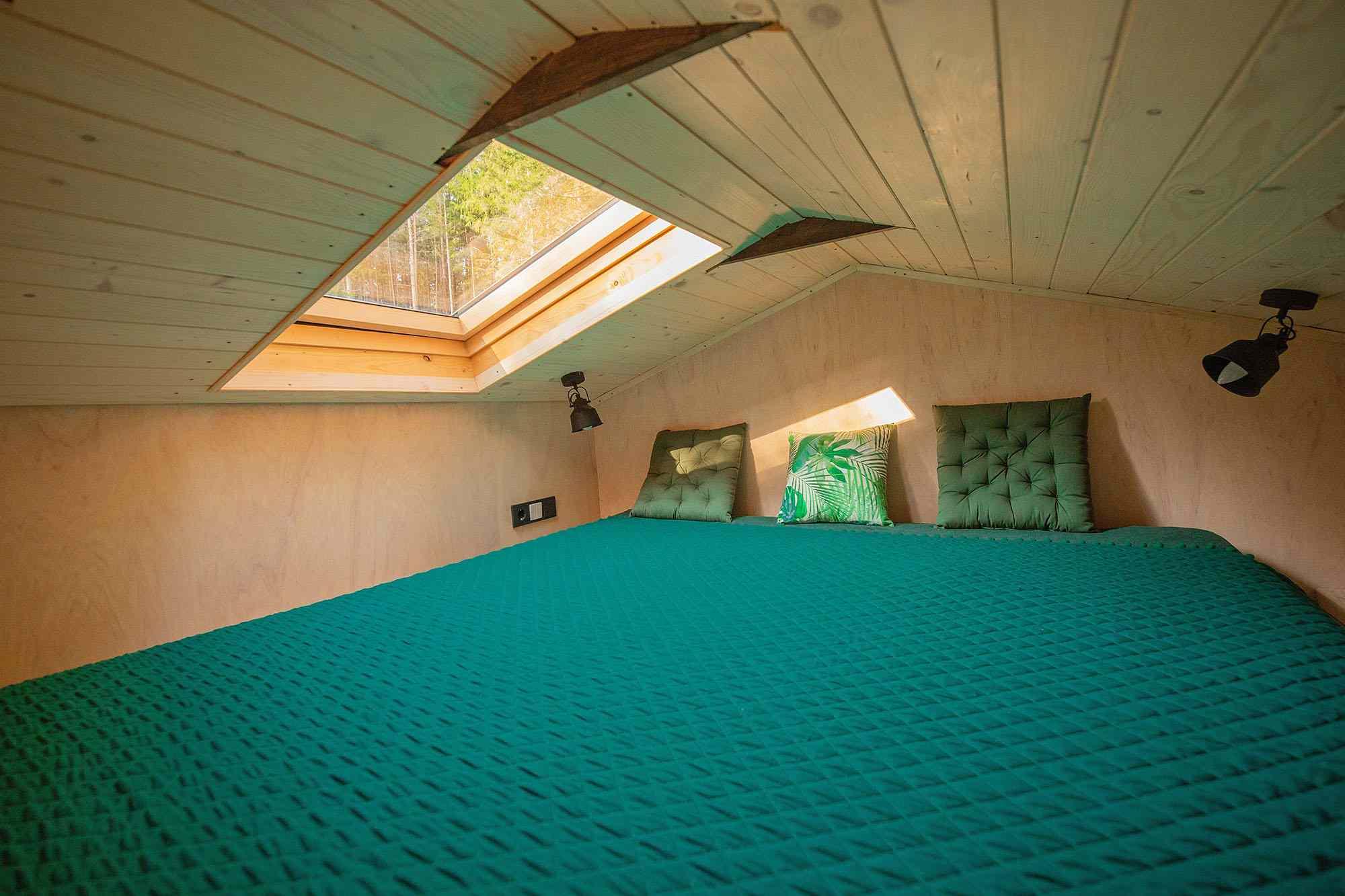 Projekt Datscha modern tiny house sleeping loft