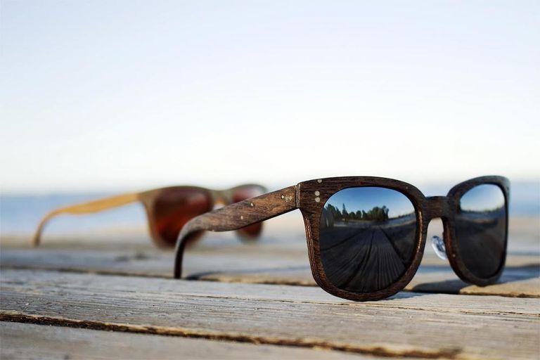 Las gafas de sol Loch están hechas de maderas de 500 años de los Grandes Lagos