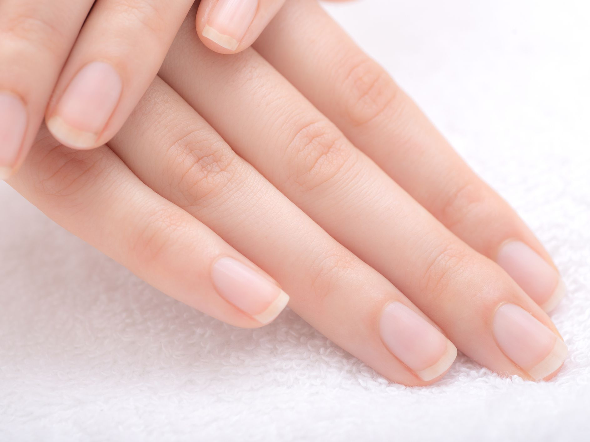 8 Tips for Naturally Beautiful Nails