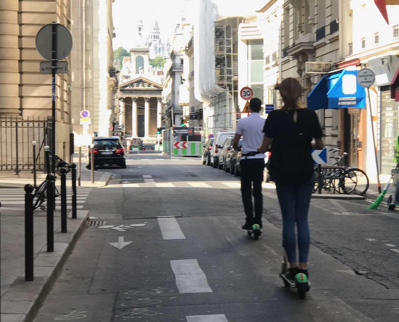 E-bikes heading for Montmartre