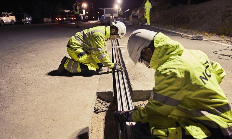 Suecia abre una carretera con un riel estilo Slot-Car para vehículos eléctricos (video)