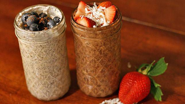 Blueberry Cinnamon and Strawberry Dark Chocolate overnight oats