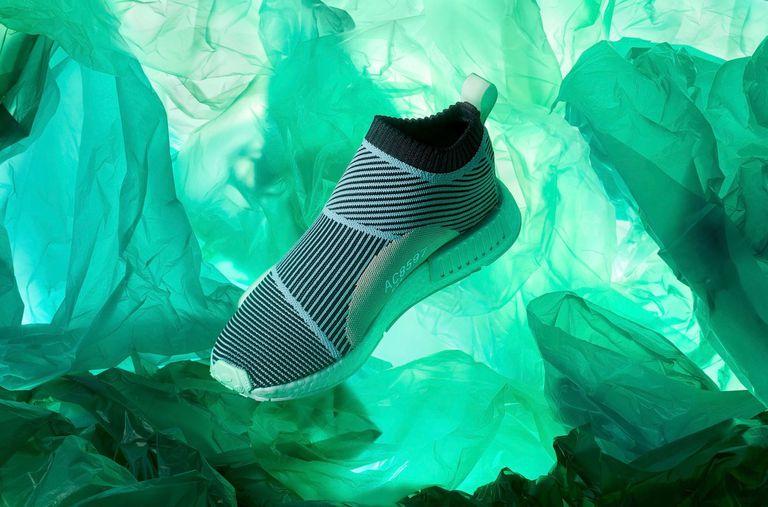 Adidas vendió 1 millón de pares de zapatos fabricados con plástico oceánico el año pasado
