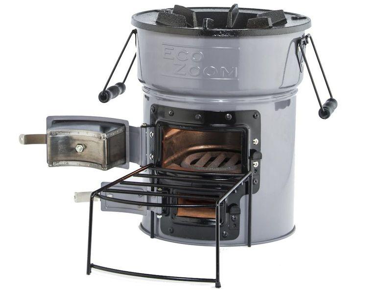 La pequeña estufa cohete es una estufa eficiente fuera de la red o para acampar