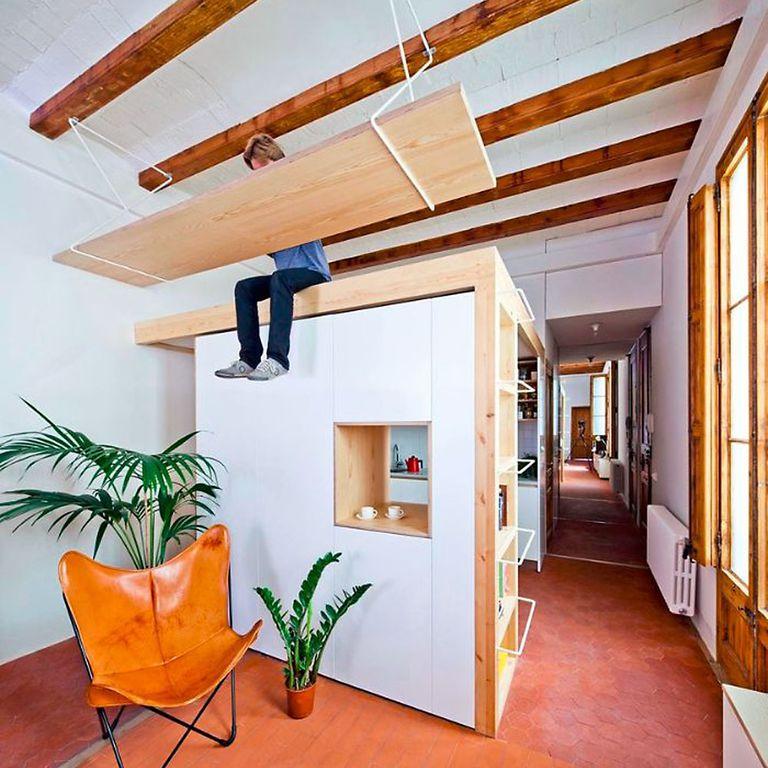 La renovación del apartamento incluye cocina en caja y escritorio flotante