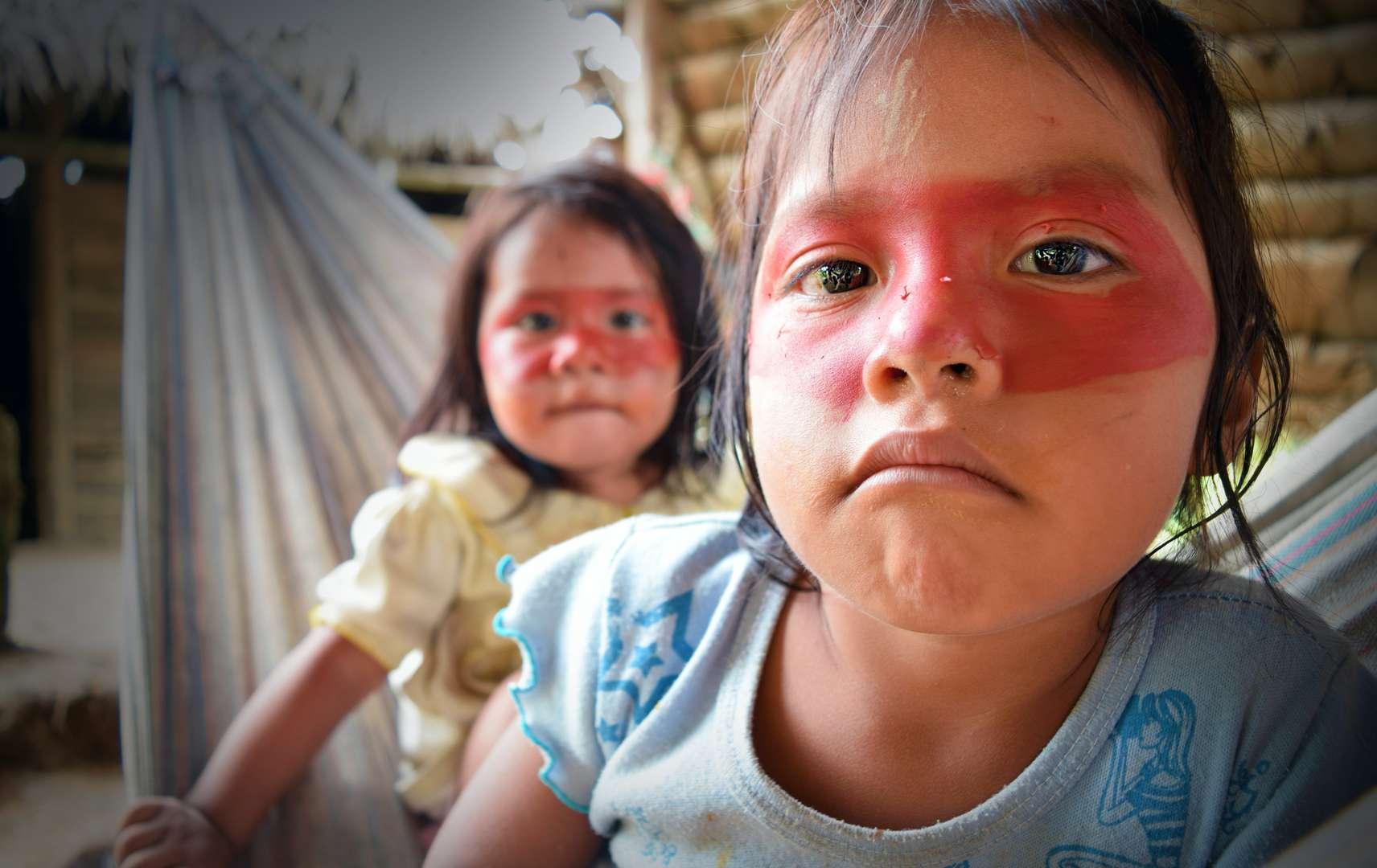 indigenous Waorani children