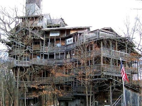 worlds biggest treehouse in winter