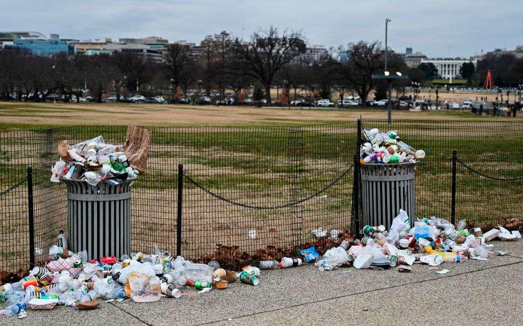 garbage at white house