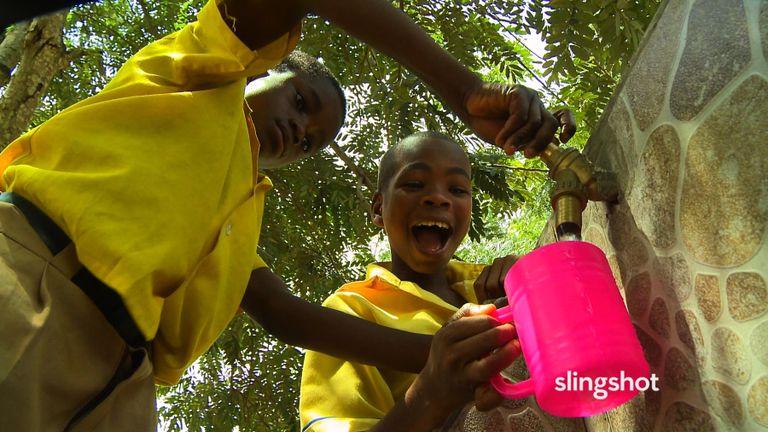 SlingShot: La búsqueda de 15 años del inventor Dean Kamen para resolver la crisis mundial de agua potable
