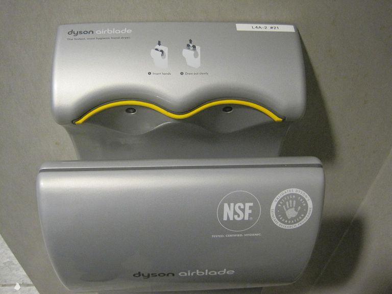 ¿Son los secadores de manos Dyson el peor objeto de diseño del mundo?
