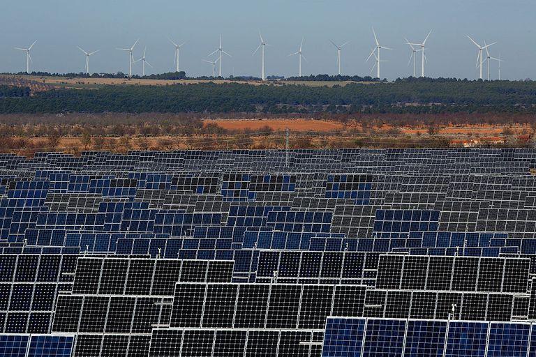 El dinero inteligente debería invertir en energías renovables, no en combustibles fósiles