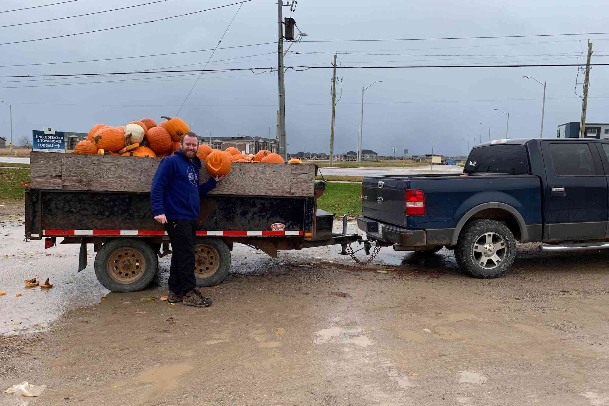 trailer full of pumpkins