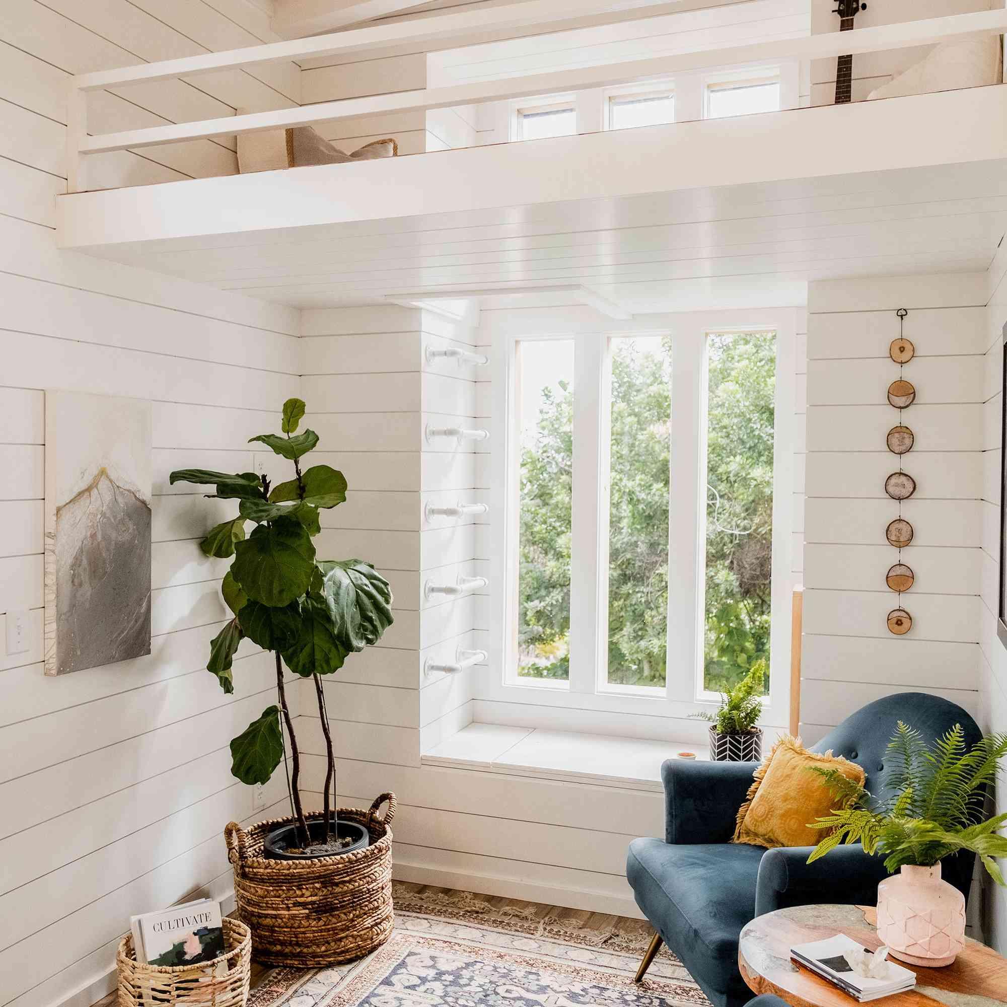 tiny house hawaii Taylor and Michaella McClendon secondary loft access