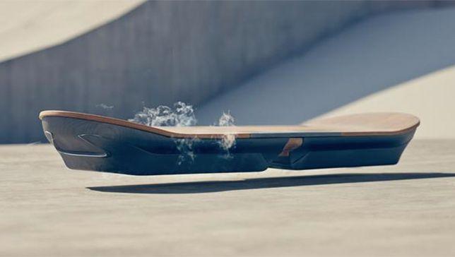 Lexus presenta un hoverboard magnético real