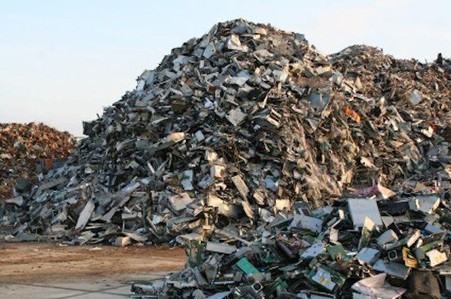 Números asombrosos de desechos electrónicos revelados en un nuevo y sombrío informe