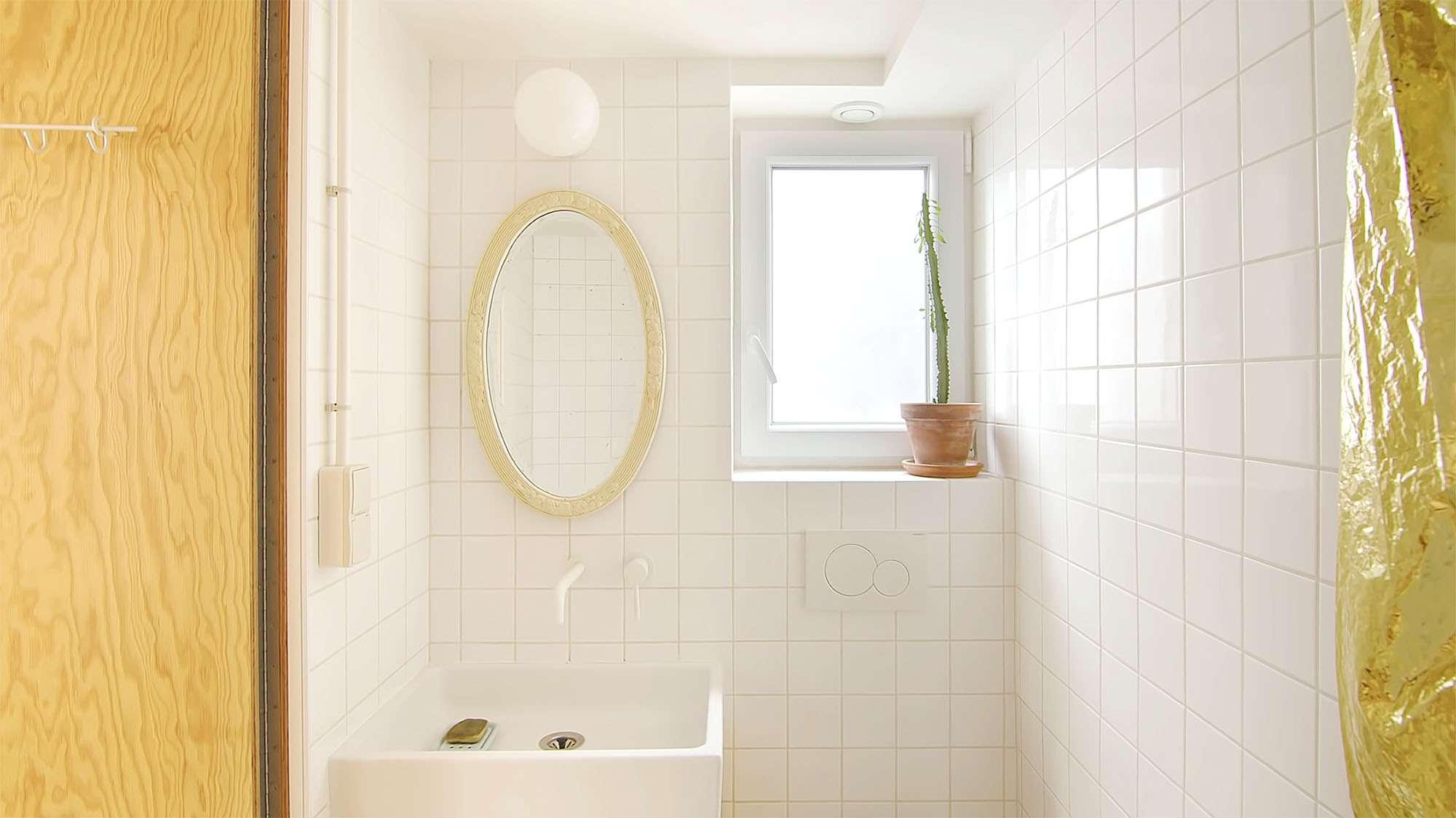 Jourdain micro-apartment renovation Matthieu Torres bathroom