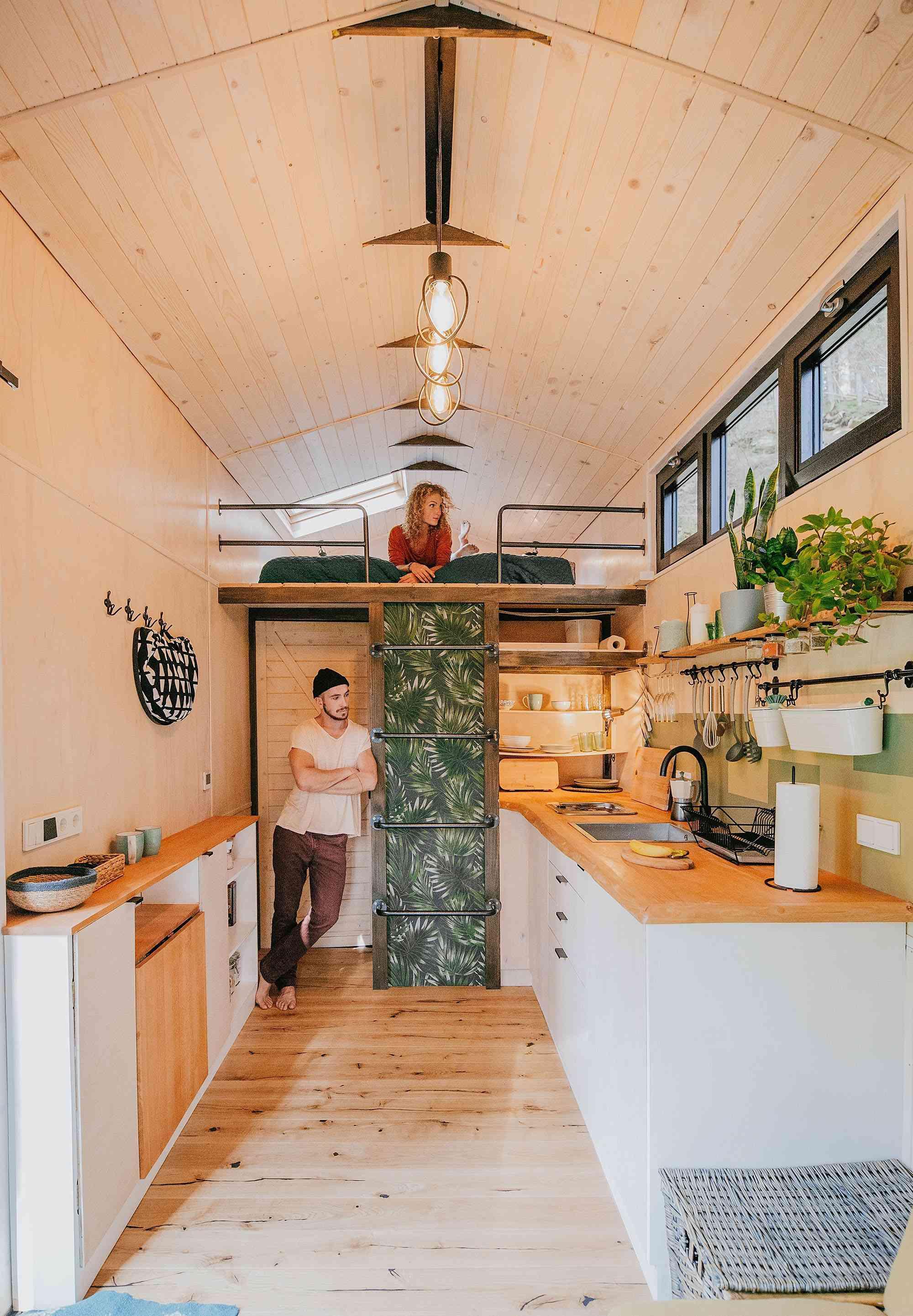Projekt Datscha modern tiny house kitchen