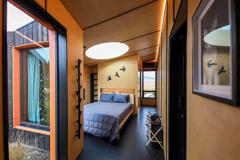 Skylark Cabin by Barry Connor bedroom