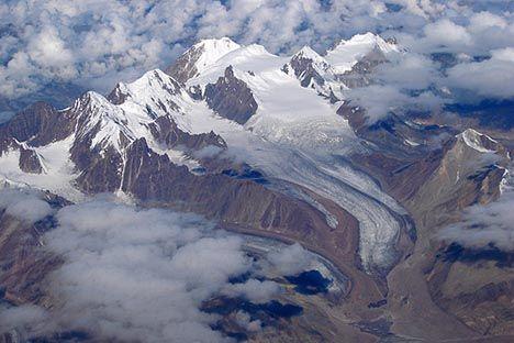 himalayan glacier photo