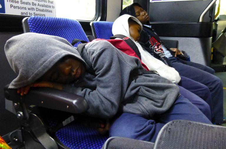 Las escuelas del Reino Unido ahora ofrecen lecciones de sueño a niños agotados