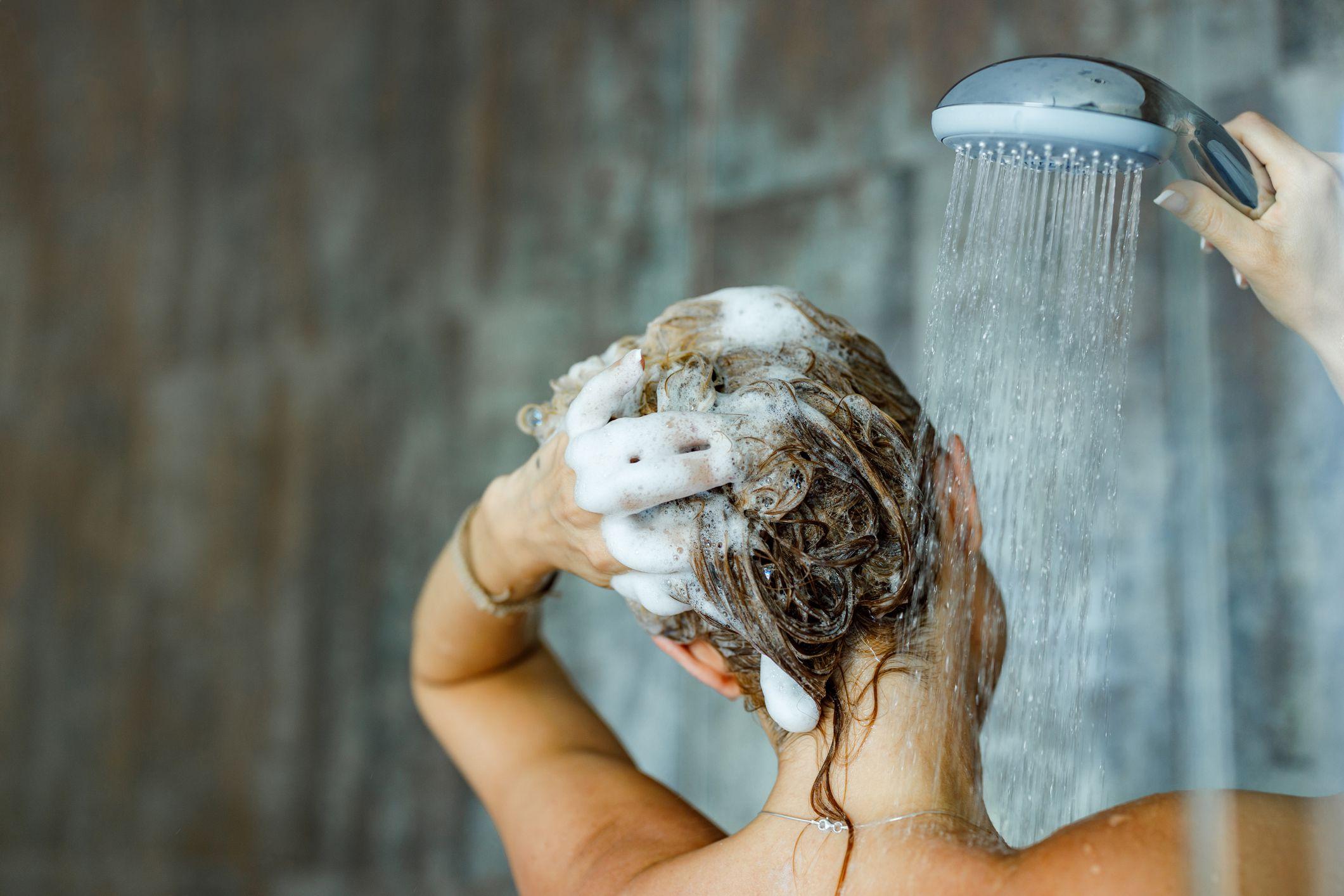 Natural Homemade Shampoo Recipes – How to Make Organic Hair Shampoo