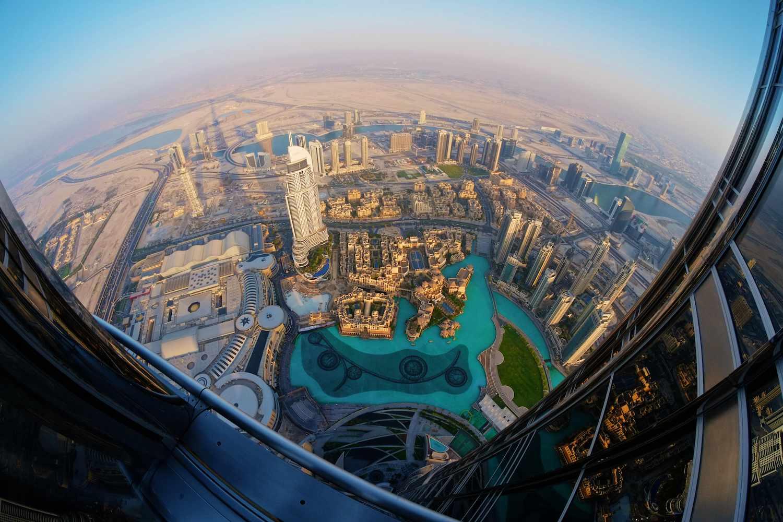 A bird's-eye-view of Dubai from the observation deck on Burj Khalifa