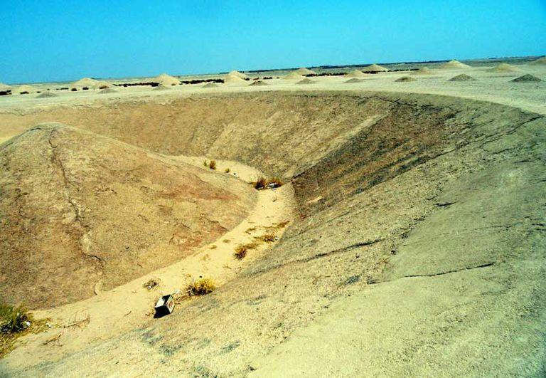 Una obra de arte colosal del desierto gira en espiral en el Sahara (Video)