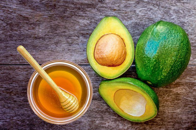 avocado with honey