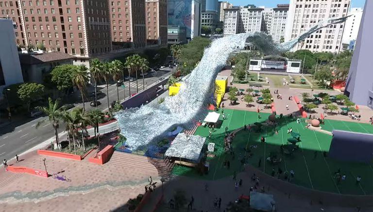 Instalación de arte ondulante activada por el viento que vuela como una bandada de pájaros (Video)