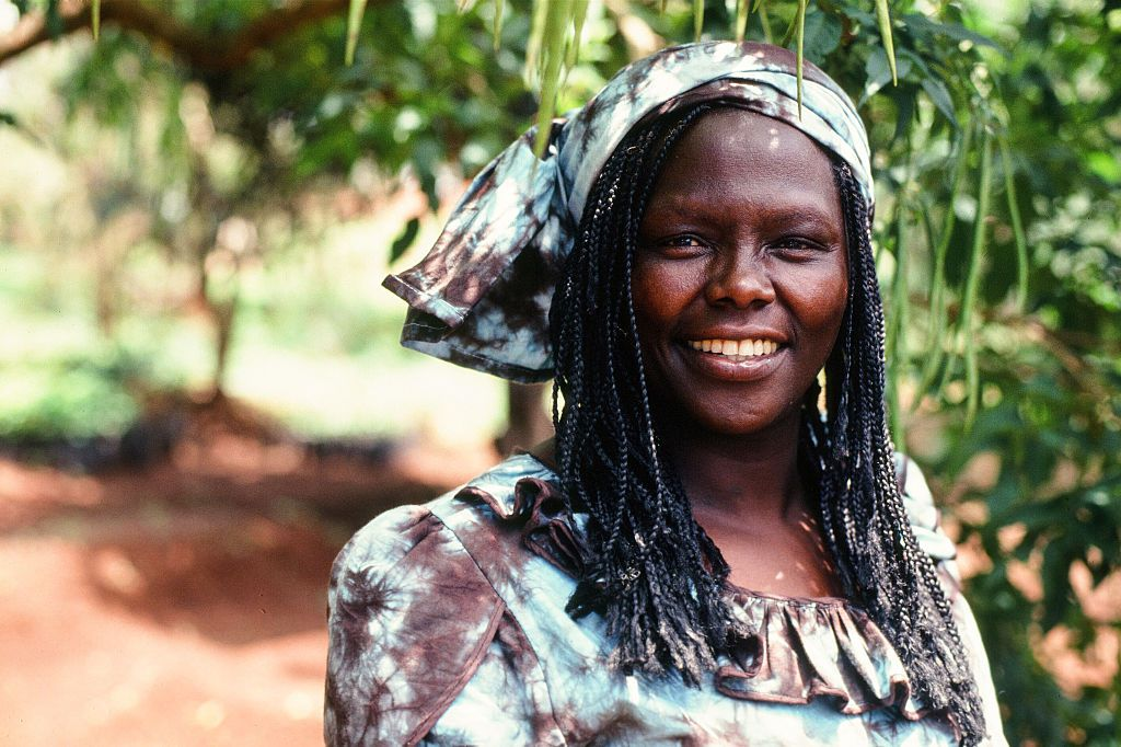 Portrait of Wangari Maathai in the trees