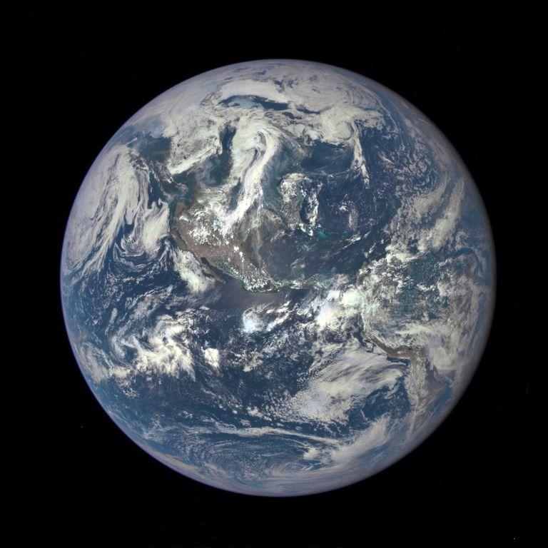 (Des) Feliz Día de la Exceso de la Tierra