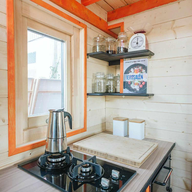 idle tiny house stove
