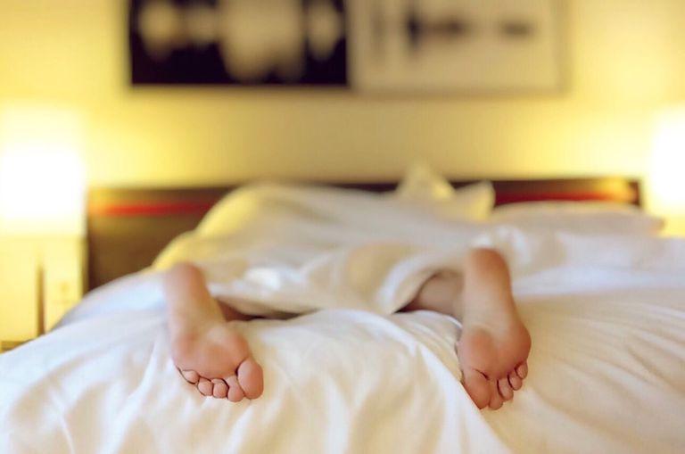 Las mentiras de fin de semana no solucionarán su déficit de sueño
