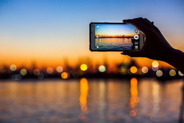Taking a photo of a beautiful skyline