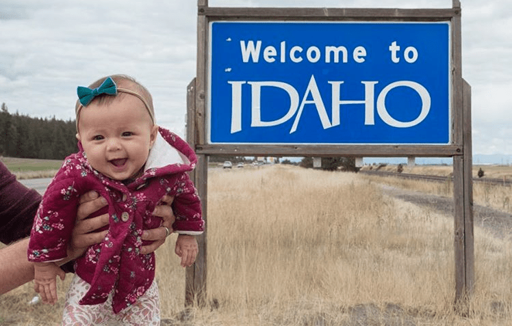 couple travel with baby across all 50 US states