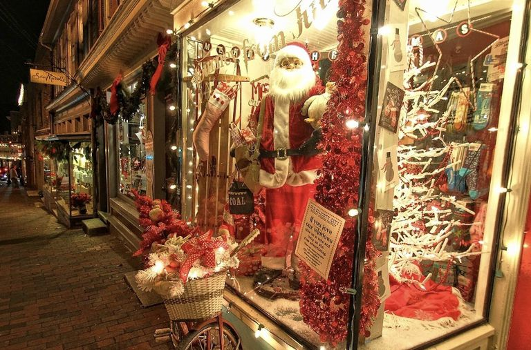 Importancia de las calles principales: Compre localmente esta temporada navideña