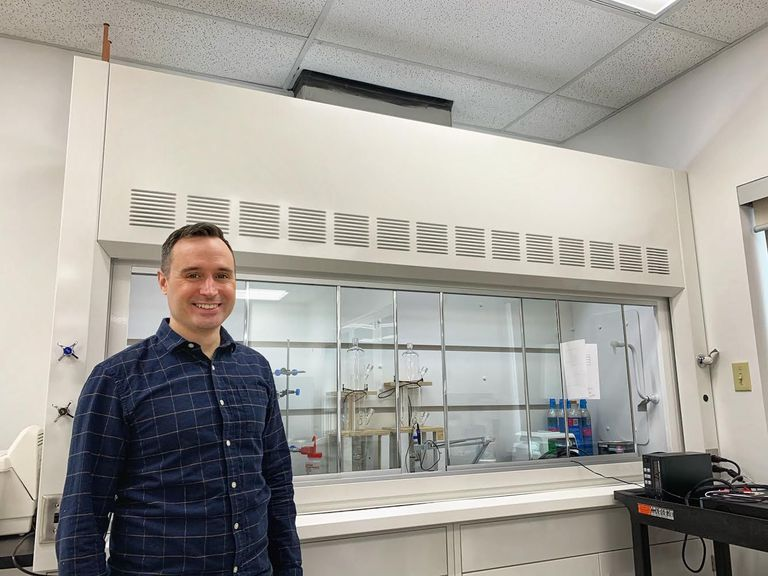 Mike Kelland in lab