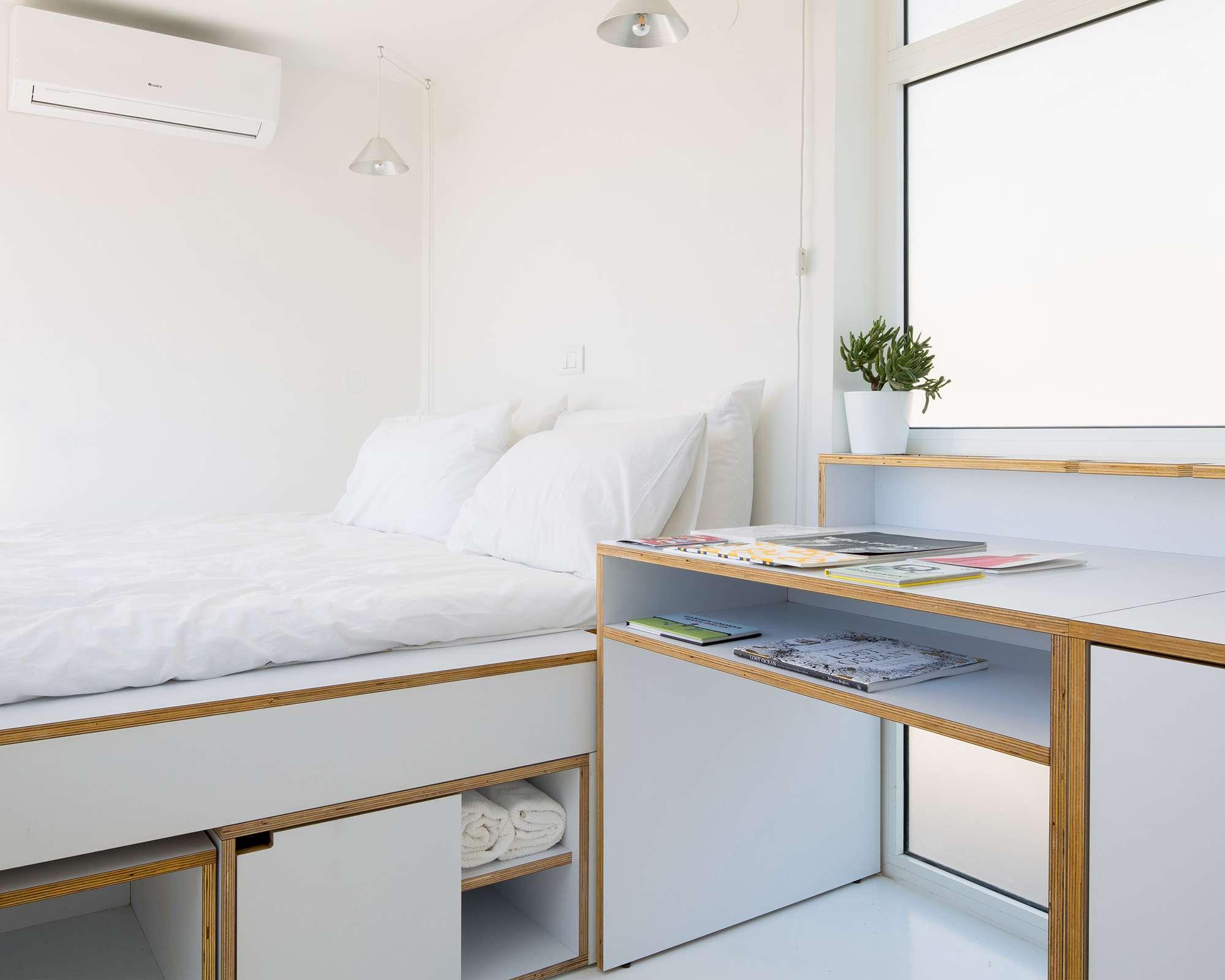The Shoebox micro-apartment by Elie Metni desk