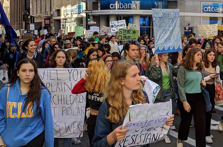 Students march in San Francisco Youth Climate Strike