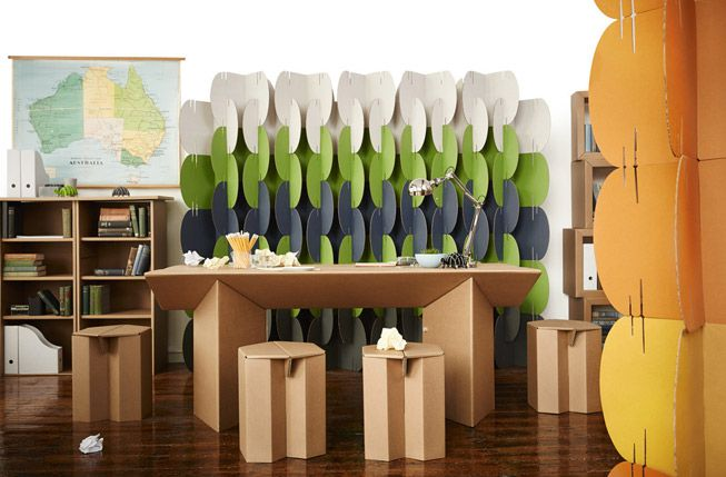 Karton NOMAD dividers in an office using cardboard furniture