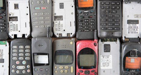 gadgets recycling cell phones photo