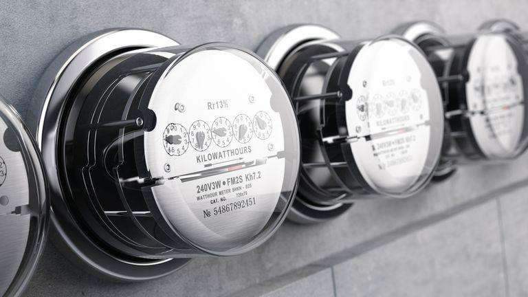 Autos inteligentes, medidores inteligentes: recarga de vehículos con batería en una red amigable para el consumidor