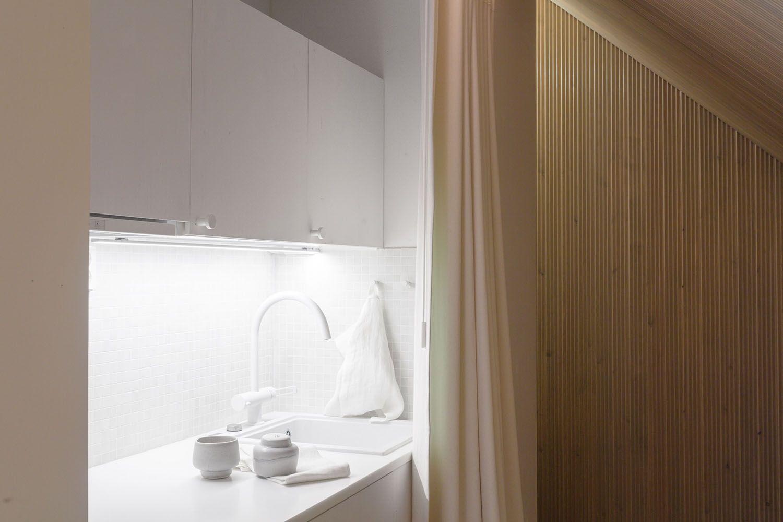 Niliaitta cabin by Studio Puisto kitchen