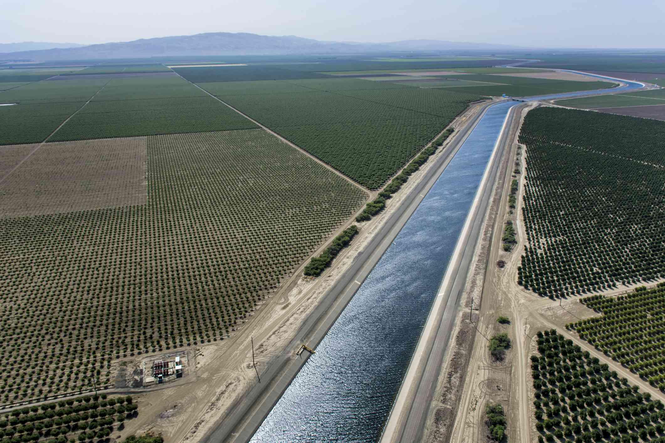 The California aqueduct flows thru the western edge of the Mojave Desert.